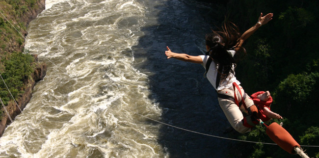 Megumi living her dream, bunji jumping  111m into the Zambezi river at Victoria Falls. 世界七不思議の1つ、ビクトリア・フォールズで111mのバンジージャンプ!